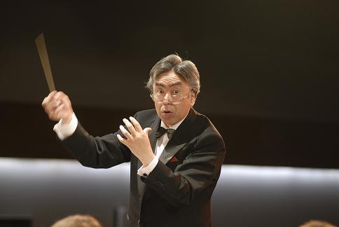 Chef-Dirigent Kunihiro Ochi