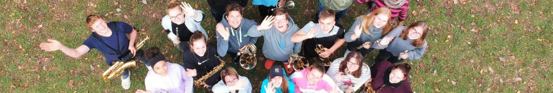 Bildunterschrift: Hatten ein anstrengendes Probe-Wochenende in Walldürn: Die Mitglieder des Jugendorchesters. - Foto: Fynn Janson.
